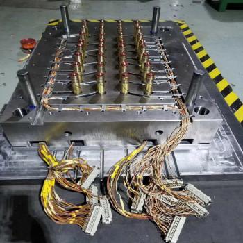 plastic-blow-mould-Plastic-Injection-PP-parts