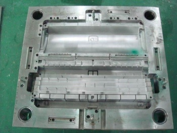 Plastic-injection-mold-for-silicone-doll-body