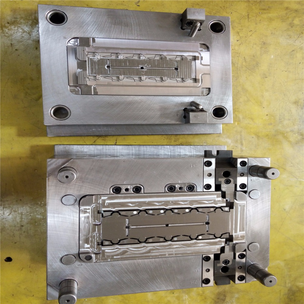 New design and hot selling for injection molded parts