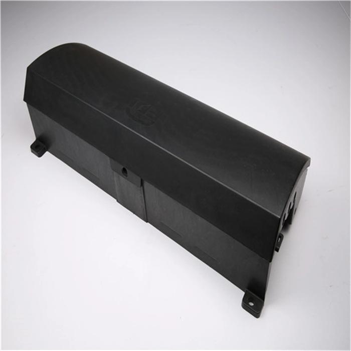 Car-parts-mold-maker-use-plastic-material