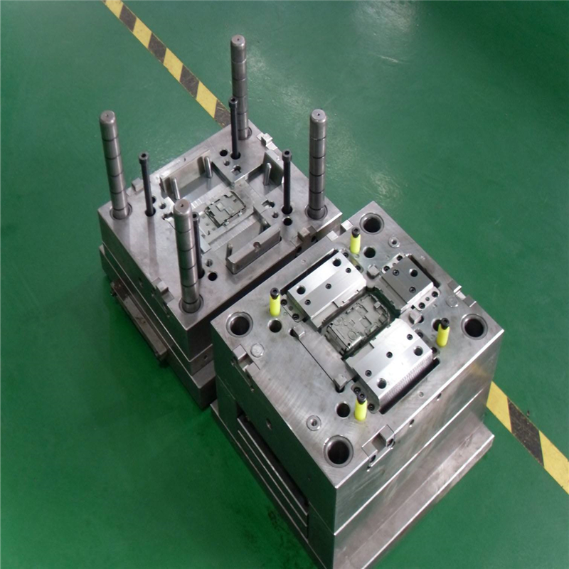 disposable plastic parts / bracket / measure tube injection mold / mould 17