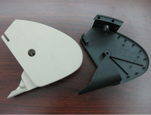 Plastic-enclosure-round-and-plastic-spacer-molding