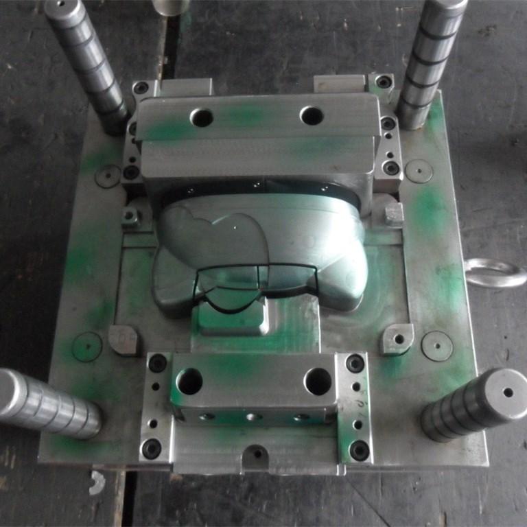 Plastic enclosure round and plastic spacer molding manufacture.