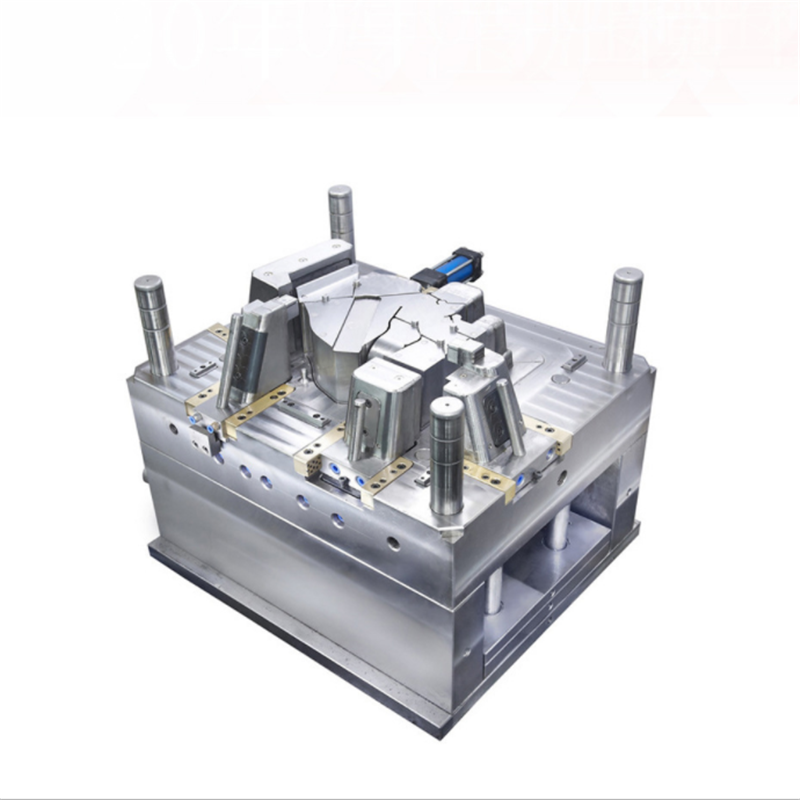 Custom-injection-molding-for-clear-plastic-parts