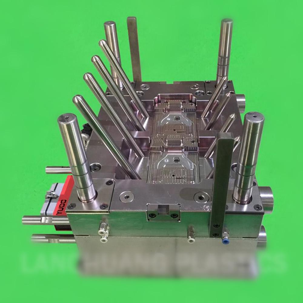 mould-manufacturer-make-plastic-injection-mold-for